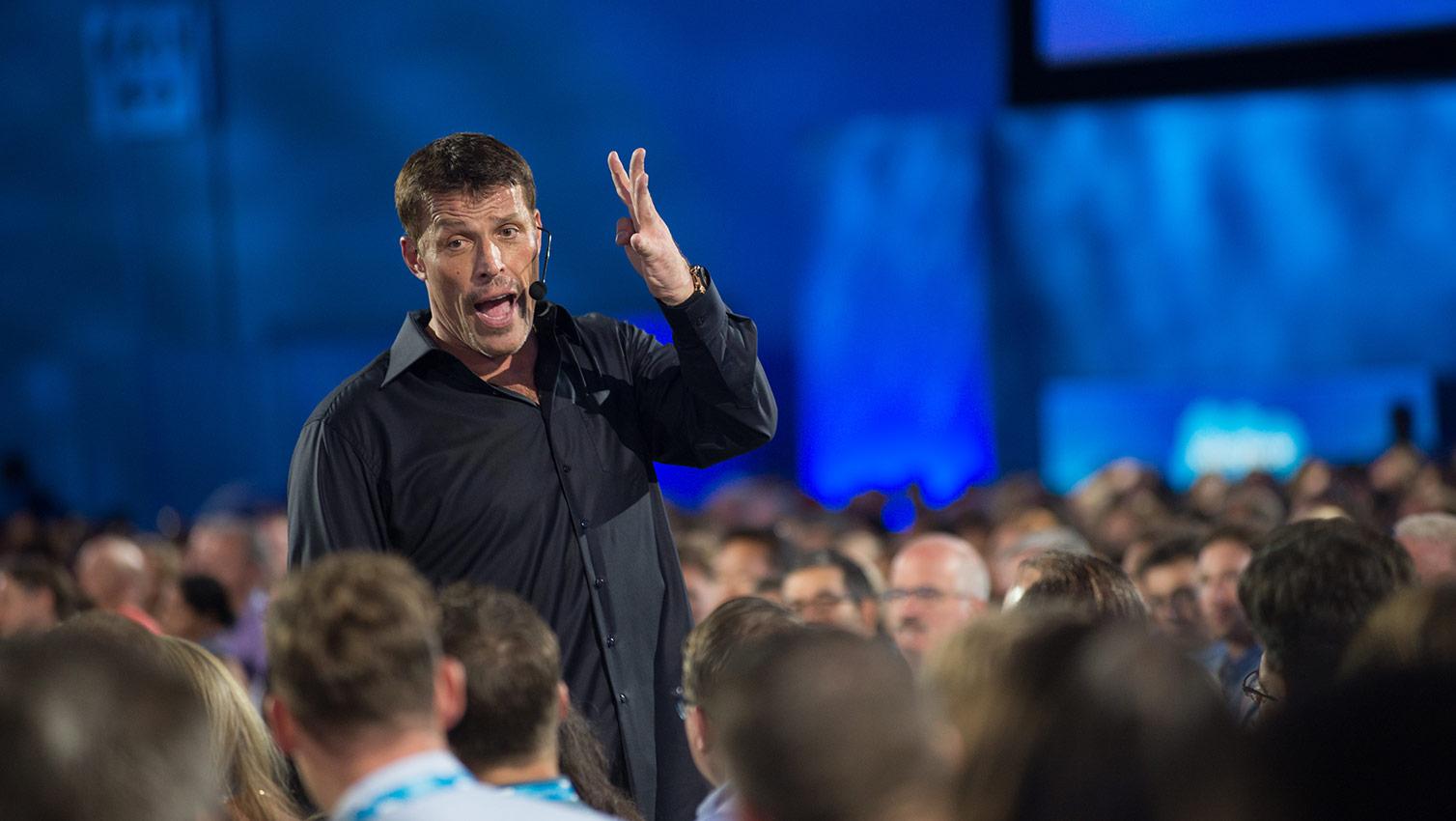 "Resumen: ""MONEY: Master The Game"", Tony Robbins."